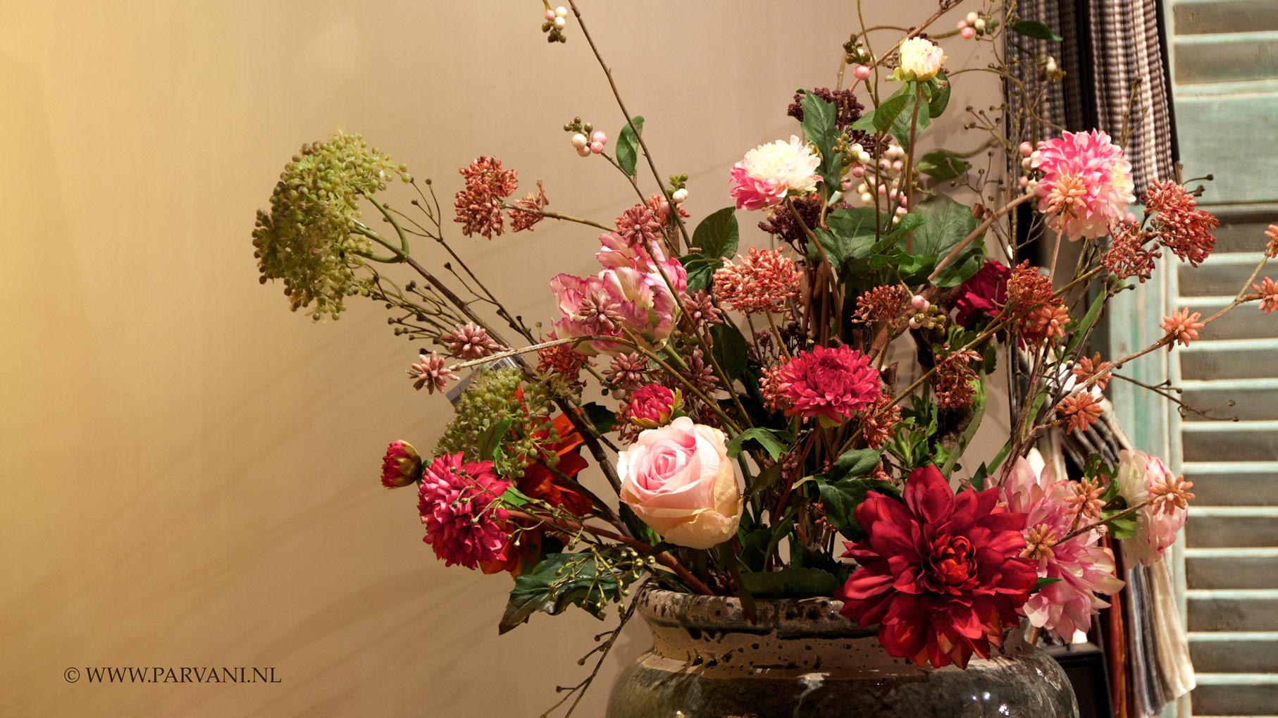 Parvani | Kunstbloemen-kalkverf-zijde-bloemen-pot-brynxz