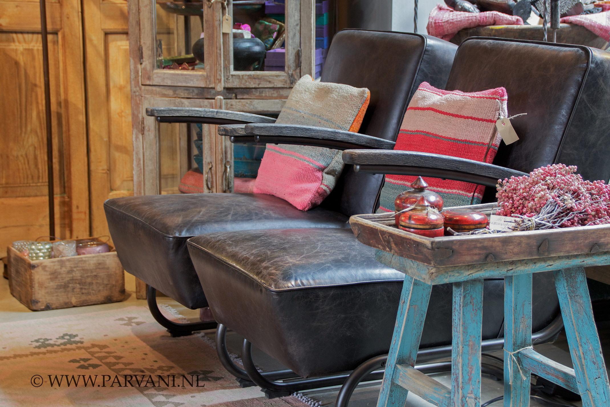 Bruine Leren Stoel : Parvani leren stoelen bruin vintage buizen frame