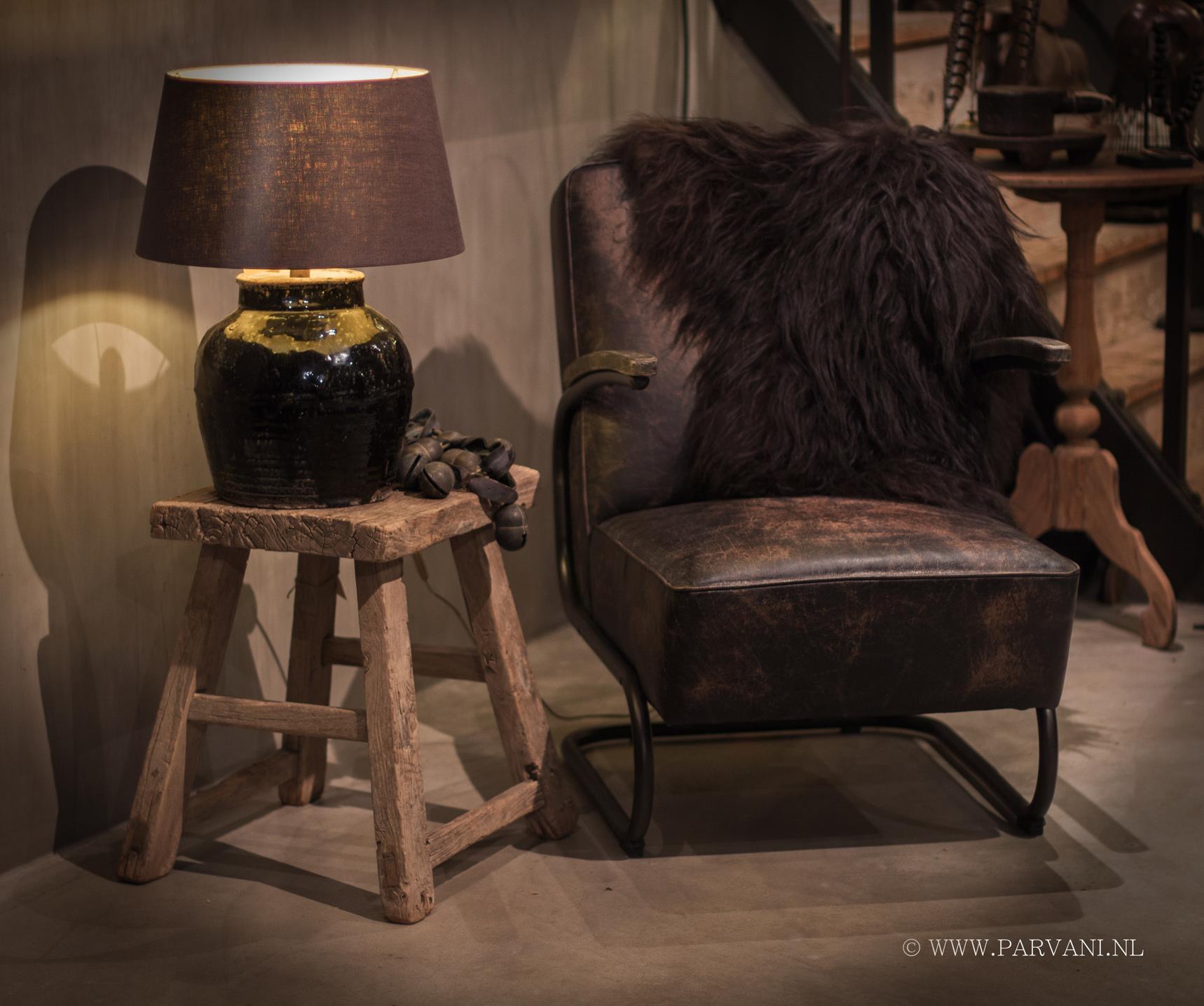 vintage lederen fauteuil in een mooie zwart bruine kleur het metalen ...