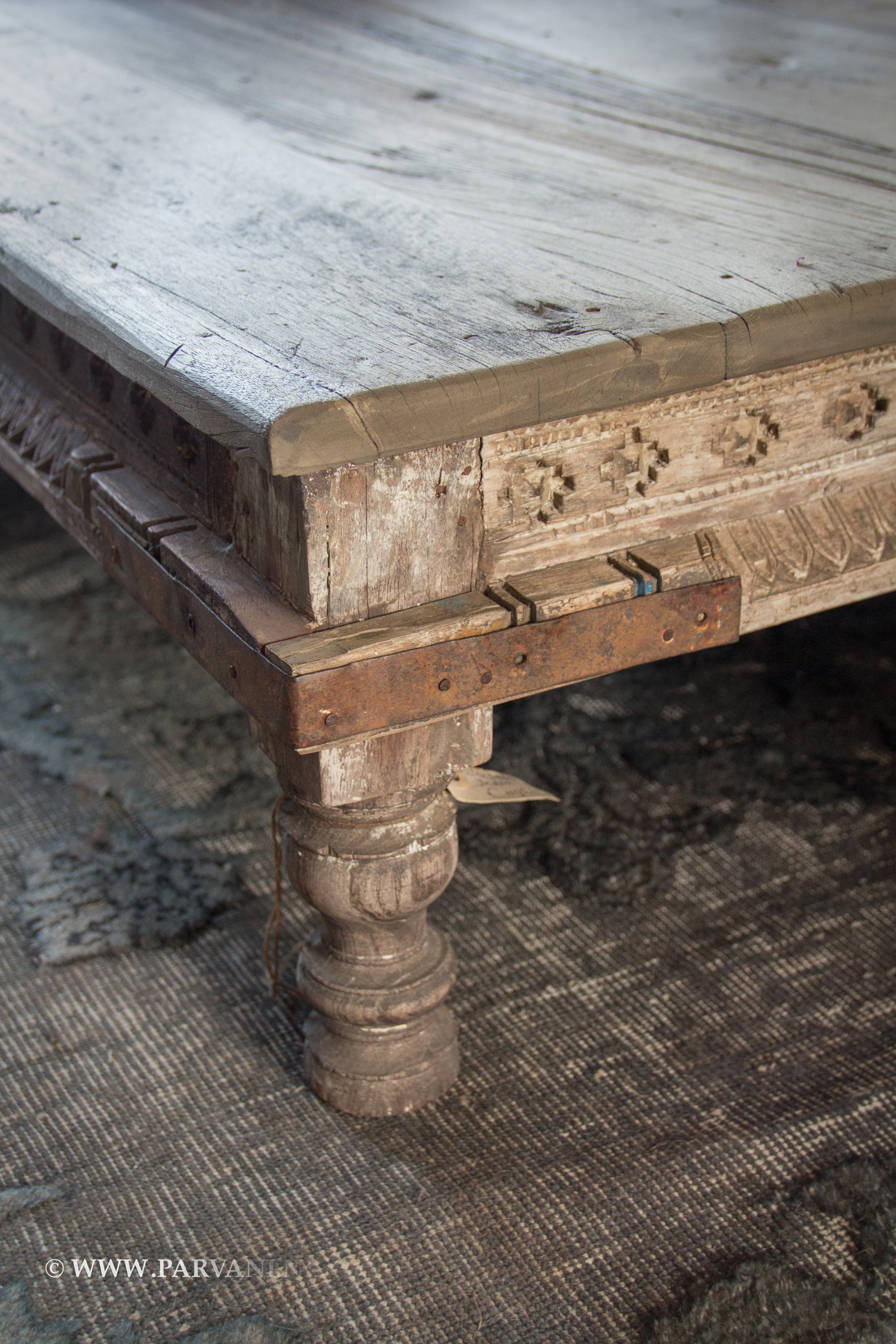 Indiase Salon Tafel.India Salontafel Met Snijwerk Detail Parvani